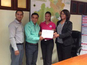 Entrega de Certificados e Informe de Retorno a los Participantes de Premio Pronvincial a la Calidad