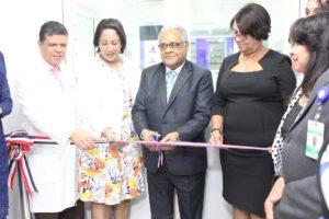 Inauguran farmacia ambulatoria especializada medicamentos de alto costo en el hospital Cabral y Báez