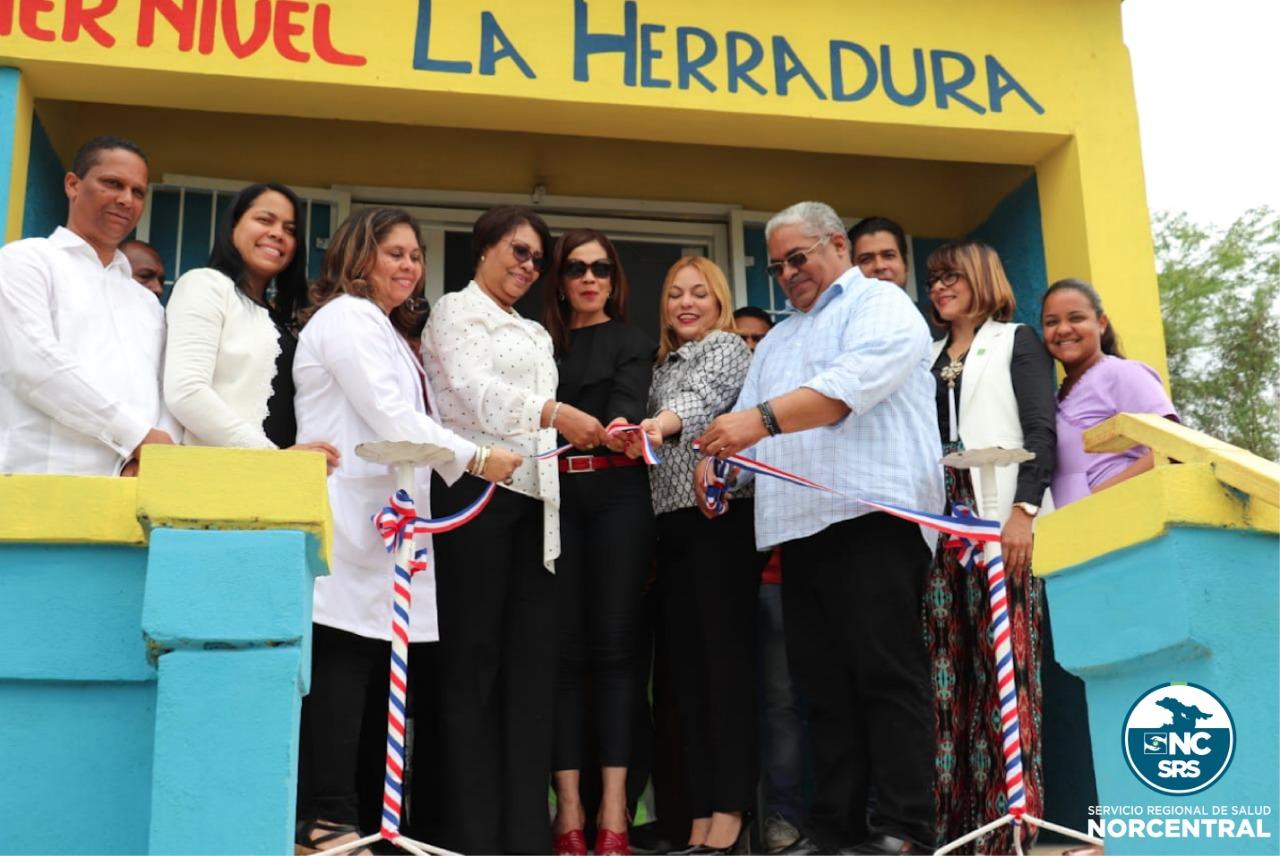SNS inaugura tres Centros de Primer Nivel en Santiago